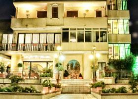 Esterno Hotel Ristorante La Ripa